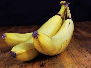 バナナを長持ちさせるのに効果的!お洒落なバナナスタンド!
